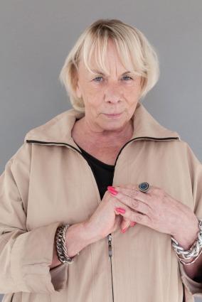 Porträtt av Marianne, Farsta torg.